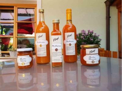 Marillenprodukte vom Weingut Niegl